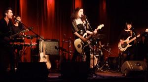 """Groupe en spectacle lors du lancement du cd """"UP!"""" de Kim Bingham"""