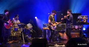 Daniel Lanois et ses musiciens