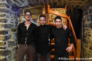 Marc Cloutier, Alex Lehouillier accompagnés d'un serveur